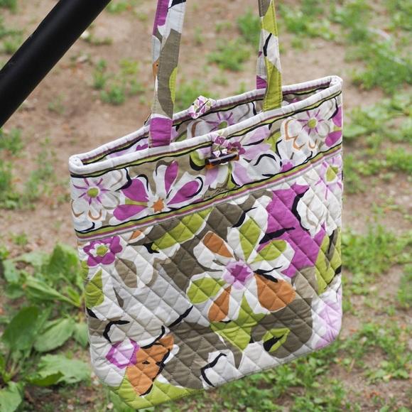 Vera Bradley Handbags - VGUC Vera Bradley Toggle Tote in Portobello Road